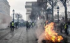 Macron ultima las medidas para contentar a los 'chalecos amarillos'