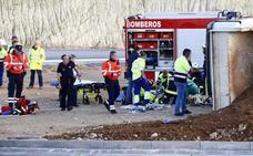 Evacuado al hospital un conductor tras quedar atrapado en el camión que conducía en las obras de la N-124 en Berantevilla