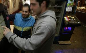 Bilbao, la ciudad más permisiva con los menores en los locales de apuestas, según la OCU