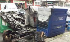 Queman dos contenedores y dañan una fachada y un vehículo en Astrabudua
