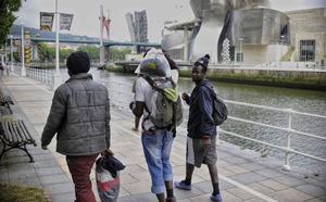 El número de extranjeros en Euskadi bajó un 2,1 % el año pasado