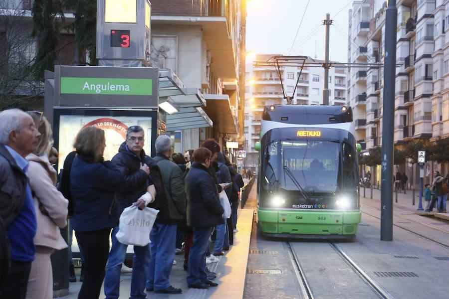 La ampliación de las paradas del tranvía de Vitoria empezará en febrero y costará 2,6 millones