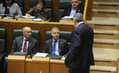 El Parlamento vasco reitera que es «prioritario» que se aborde la transferencia de la Seguridad Social a Euskadi