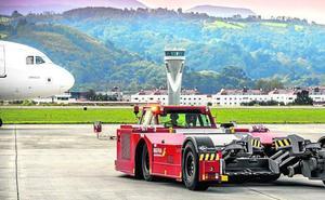 El aeropuerto de Loiu compra un radar para controlar la velocidad de sus 990 vehículos