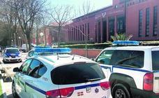 En libertad con orden de alejamiento los dos acusados de dar una paliza a un estudiante en Vitoria