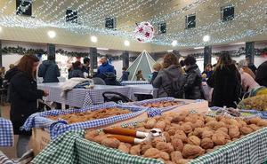 Bermeo endulza su mercado especial con la preparación en vivo de postres navideños