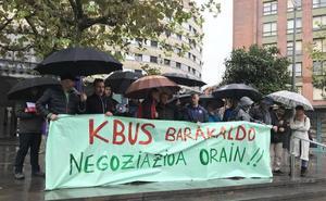 La plantilla del Kbus realiza su primera protesta previa a la huelga parcial