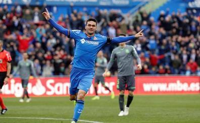 Jorge Molina aprovecha un regalo para tumbar a la Real Sociedad