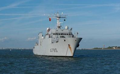 Alerta en Gibraltar por una embarcación española que siguió a un submarino nuclear británico