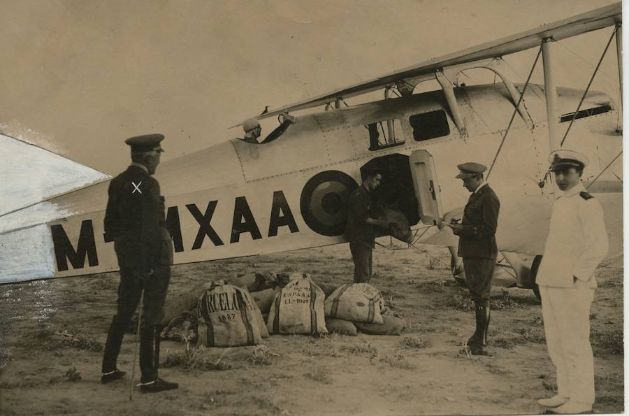 Hace un siglo, el correo echó a volar