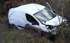 Un herido en Campezo tras salirse de la calzada y volcar el vehículo que conducía