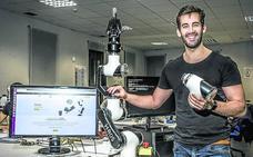 El primer brazo robótico para trabajar con humanos en la industria tiene sello alavés