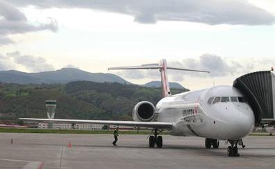 Loiu recuperará en abril después de dos años la conexión aérea con A Coruña