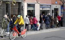 Los vizcaínos gastan más en Lotería y compran décimos acabados en 5 y 7
