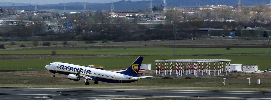 El Gobierno ve «inaceptable» que Corres cuestione los aeropuertos de Foronda y Hondarribia