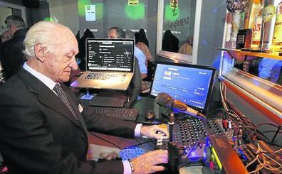 Un señor DJ de 72 años