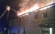 El incendio en un tejado de Zambrana deja sin luz a parte del pueblo antes de Nochebuena