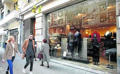 Echegoyen, uno de los templos de la moda femenina de Bilbao, cierra por jubilación