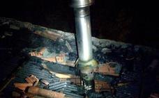 Desalojan a tres familias por un incendio en Llodio