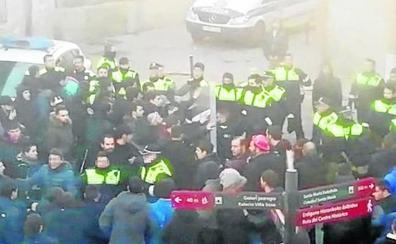 La Policía identifica a siete jóvenes más por el altercado del Gaztetxe tras revisar los vídeos