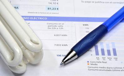 ¿Es más cara la tarifa de luz regulada que las del mercado libre?