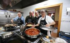 Manuel Benéitez y Juan Antonio Villanueva: «Cuanto más improvisas, el menú es menos saludable»