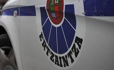 Detenido un joven de 23 años que hirió con un arma blanca a dos hombres en Erandio