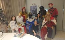 Iniesta pide perdón por una polémica foto con los Reyes Magos