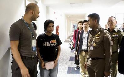 Australia estudia acoger a la joven saudí que huyó de su familia