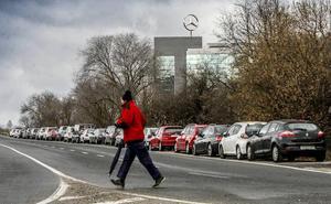Mercedes podrá crecer hacia Zabalgana para solucionar su grave problema de aparcamiento