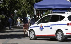 Detenido un joven tras robar un portátil y esconderlo entre la ropa en un comercio de Vitoria