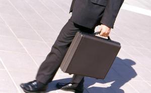 El salario de directivos y jefes crece mientras el de los empleados se estanca