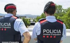 Los Mossos detienen en Playa de Aro a una joven de 17 años por matar presuntamente a su madre