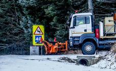 La primera nevada del año se asoma a las cumbres de Álava