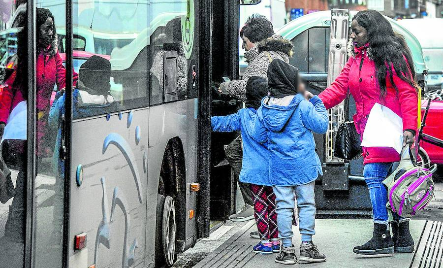 «Tuve muchísimo miedo. Salí llorando», confiesa la pasajera del incidente en el bus de Tuvisa