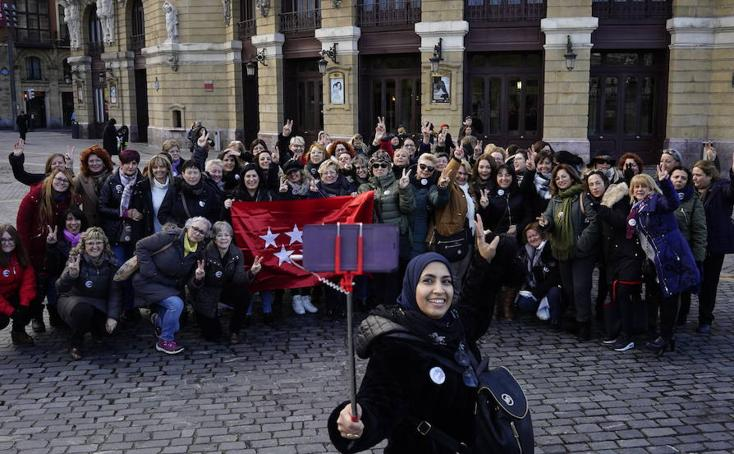 Concentración de mujeres taxistas en Bilbao