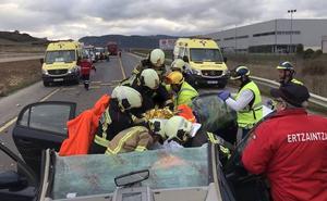 Tres personas quedan atrapadas en su vehículo tras un choque en Berantevilla