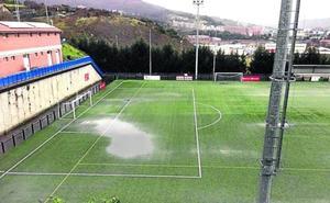 Denuncian el «abandono» del campo de fútbol de Ibarsusi