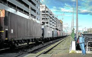 Duras críticas al proyecto del Puerto de utilizar trenes de 750 metros