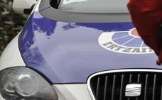 Dos detenidos por intentar robar en un piso de Galdakao con la dueña dentro