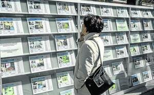 Bizkaia lidera la caída del precio del alquiler en Euskadi, la única comunidad donde desciende