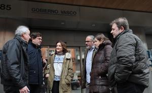El Gobierno vasco se suma a las familias y reclama a los profesores que saquen el conflicto de las aulas