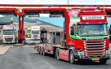 El tráfico de camiones se duplica en la autopista entre Burgos y Álava desde que es gratuita