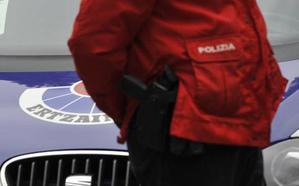 Detenidos tres jóvenes tras asaltar una peluquería y una panadería en Bilbao