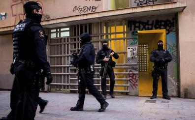 Prisión incondicional y sin fianza para tres de los presuntos yihadistas detenidos en Barcelona