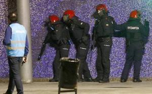 Simulacro en Vitoria: «¡Yihadistas han tomado rehenes en el centro comercial El Boulevard!»