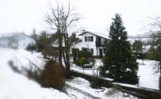 Las imágenes del temporal de nieve y lluvia en Euskadi