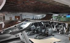 Cierran el gimnasio de Sakoneta tras desplomarse el falso techo