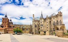 Astorga: Gaudí y cocido maragato