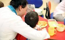Las cocineras de los colegios públicos rechazan que los padres gestionen los comedores